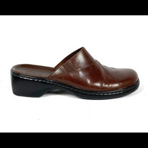 Clark's Brown Leather Clogs!